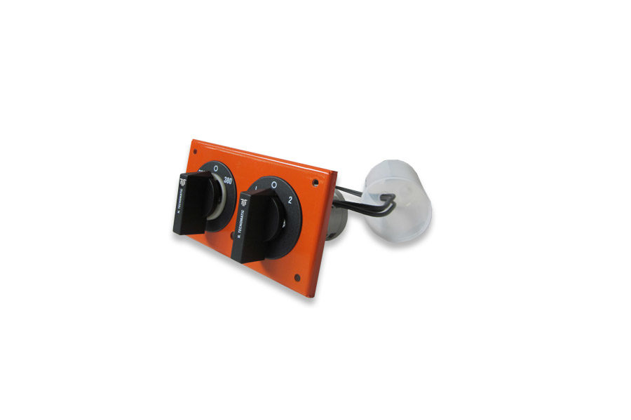 Step switch for use on ovens and industrial kitchens